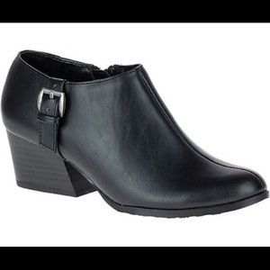 """Hush Puppies Soft Style """"Glynis II"""" Black Size 6M"""